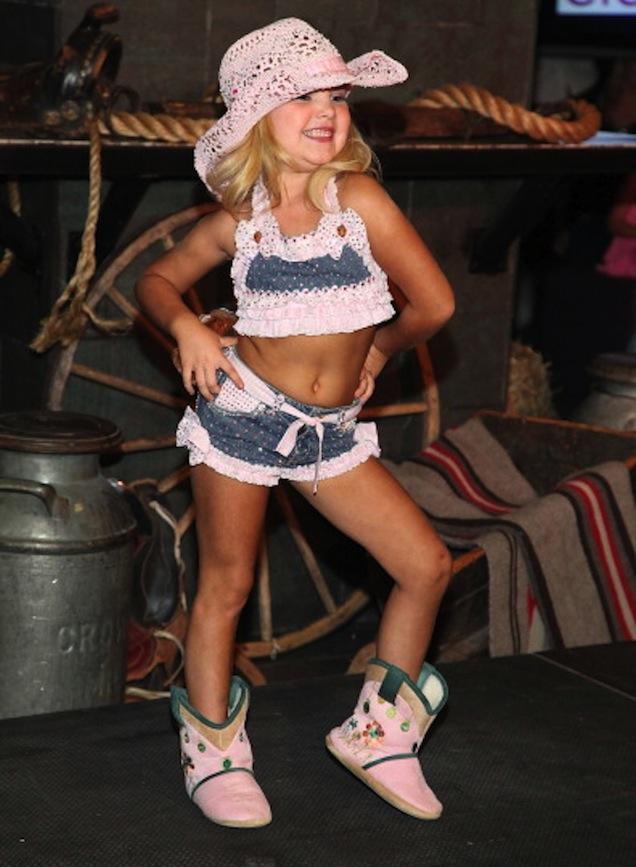 La Reina De La Belleza Infantil Eden Wood Debuta Como Modelo En Nueva York Imperdibles