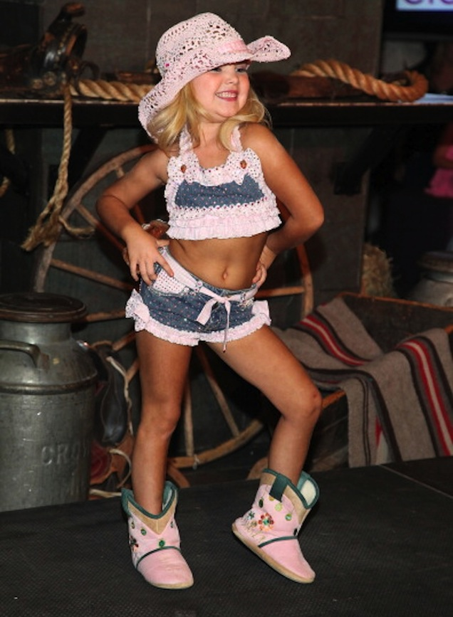 La reina de la belleza infantil Eden Wood debuta como modelo en Nueva York
