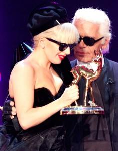 Lagerfeld y Armani adoran a Lady Gaga