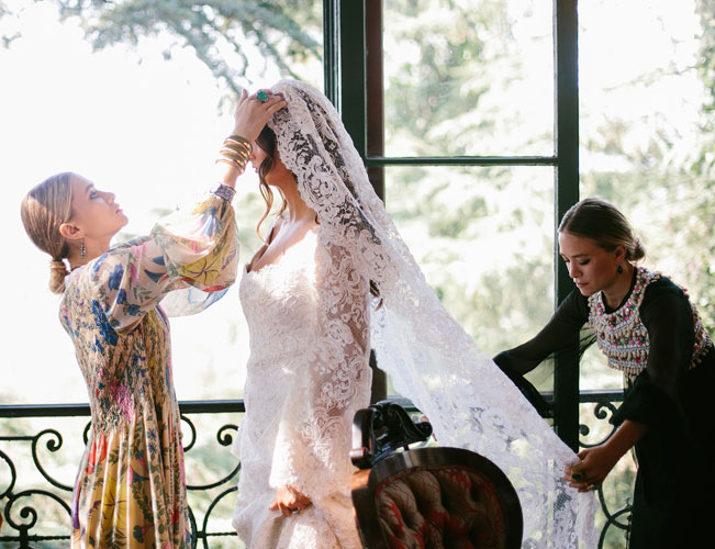 Así es el primer vestido de novia diseñado por las Olsen