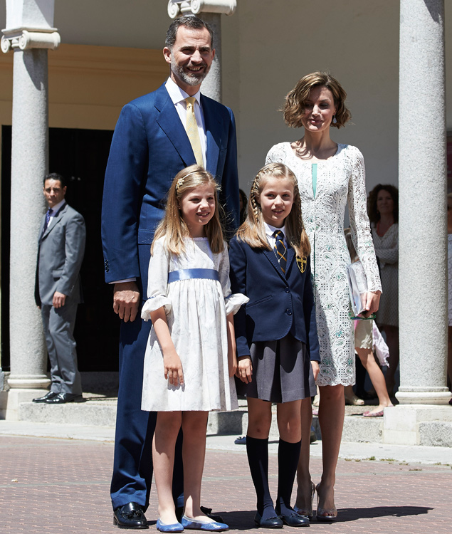 Los zapatos de 'Cenicienta' de Letizia, protagonistas en la comunión de Leonor