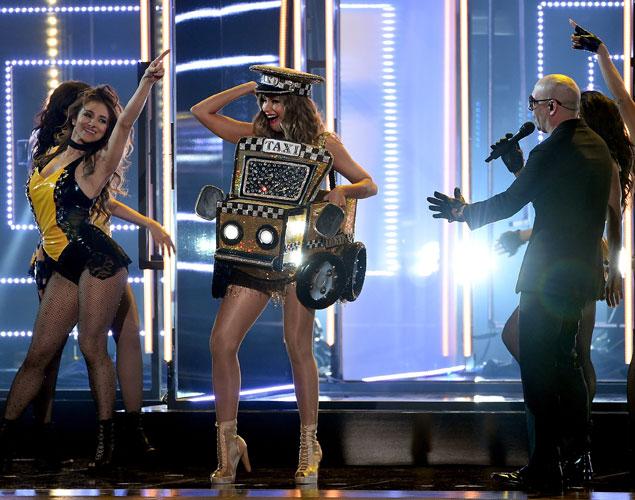 El momentazo de los Grammy: Sofía Vergara baila 'El Taxi'