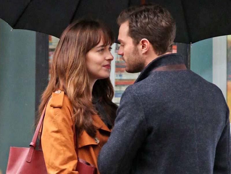 Besos sin química en el rodaje de la segunda parte de '50 sombras de Grey'
