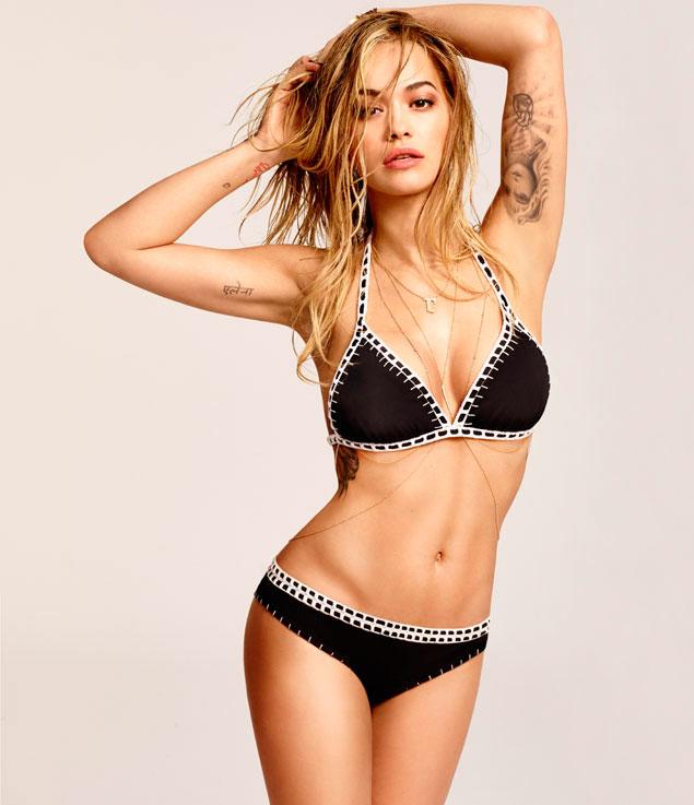 Rita Ora repite como imagen de Tezenis (y presenta una colección de baño muy apetecible)