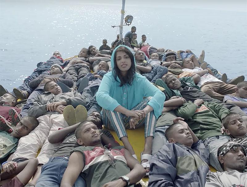 La polémica rapera M.I.A. en una imagen de su vídeo 'Borders'.