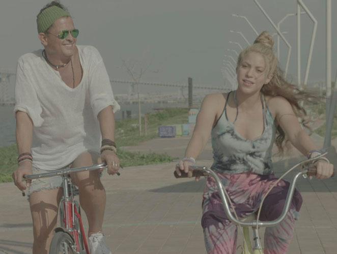 La fiesta viral de 'La bicicleta' en el metro de Madrid