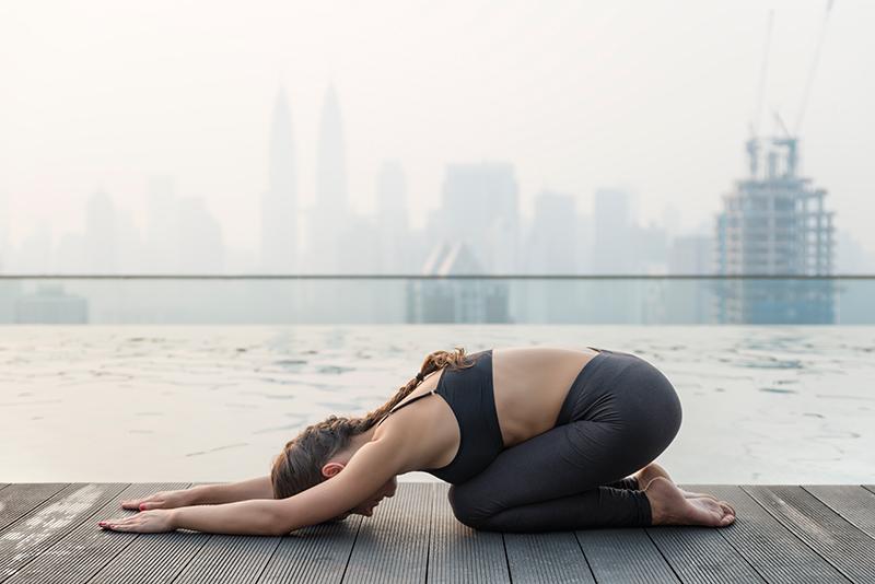 4 razones irrebatibles por las que deberías hacer yoga