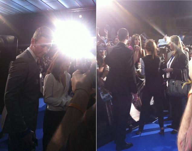 Emma Watson lidiando con la prensa y los fans. ¿Responderá mi pregunta? Foto: Noel Ceballos