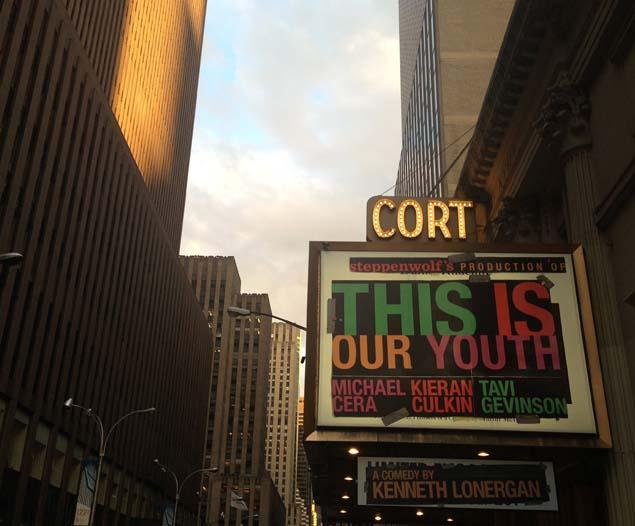Dentro de la sala están prohibidas las fotografías, así que este es el cartel de la obra del Court Theatre de Broadway. Foto: Cati Bestard